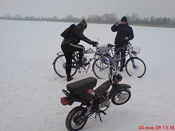 По льду и снегу