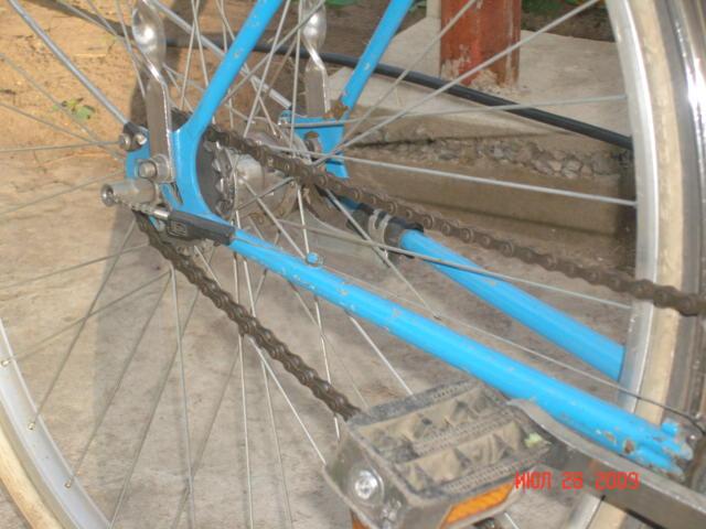 Велосипед с обновленными тормозами.